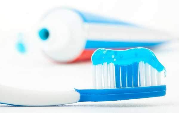 牙膏挤不干净怎么办